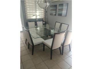Juego de comedor 8 sillas y buffet incluido, Puerto Rico