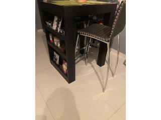 Mesa alta incluye 3 stools color wengue, Puerto Rico