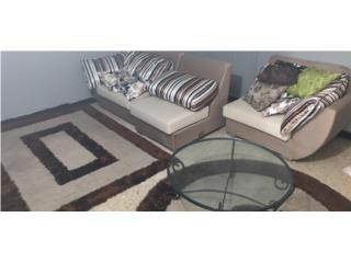 Juego de sala. 1 sofa, 1mesa cristal y 2 alfombras, Puerto Rico