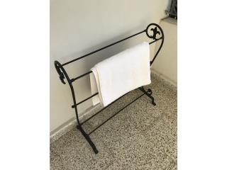 Mueble en hierro para colgar toallas o revistas, Puerto Rico