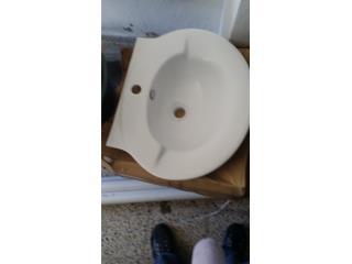 Lavamanos de pedestal blanco solo $50.00, Puerto Rico