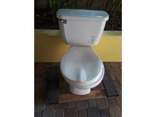 Toilet blanco se vende por remodelacion, Puerto Rico