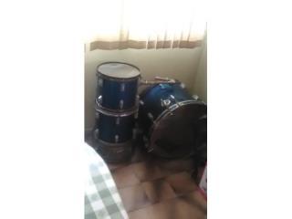 bateria (drums) usada,,,, necesita carino, Puerto Rico