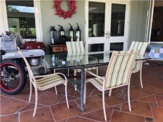Muebles de Patio - mesa y 4 sillas, Puerto Rico