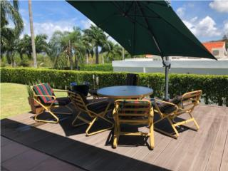 Muebles de Patio mesa y 4 sillas, Puerto Rico