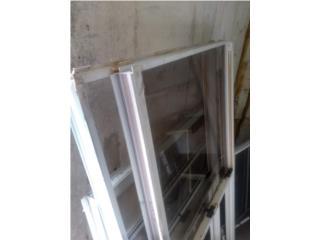 Dos ventanas Cristal de guillotinas y 1 francesa, Puerto Rico