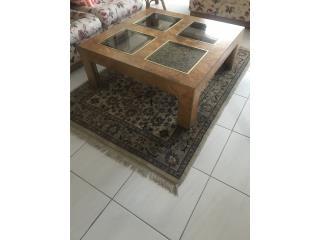Se vende mesa par sala muy bonita madera solida y , Puerto Rico