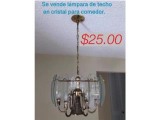 Lámpara de techo en cristal para el comedor, $25, Puerto Rico