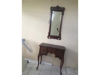 Consola y espejo Francés $125, Puerto Rico