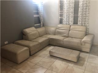 Mueble seccional de cuero  , Puerto Rico