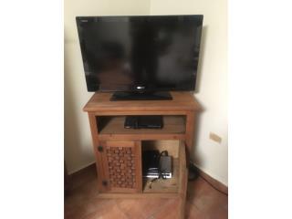 Mesa de madera con puertas con Televisor, Puerto Rico