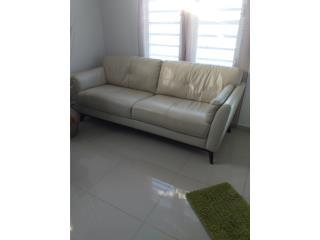 Sofa grande y comodo, Puerto Rico