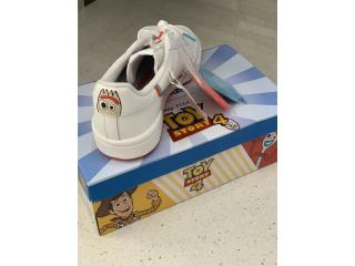 Adidas Forky Toy Story 4.... size 4, Puerto Rico