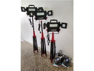 3 Luces husky led con tripode y tres spot lights, Puerto Rico