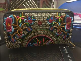 Wallet hermosa. Buen precio , Puerto Rico