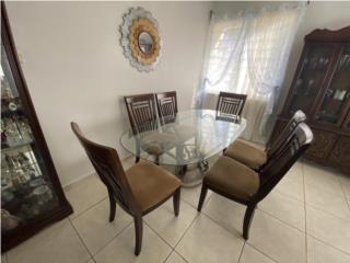 Juego de Comedor y 4 mesas adicionales, Puerto Rico