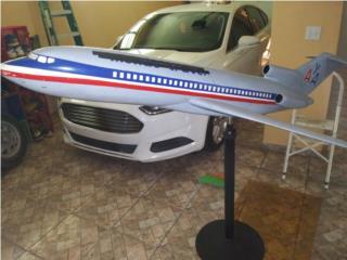 Avion 727 en fiber glass, Puerto Rico