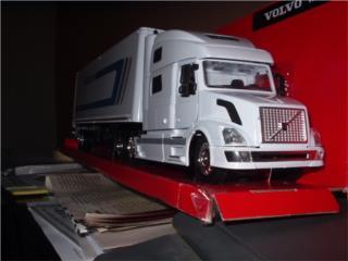 VOLVO VNL 780 Truck-Trailer- modelo a escala 1/32 , Puerto Rico
