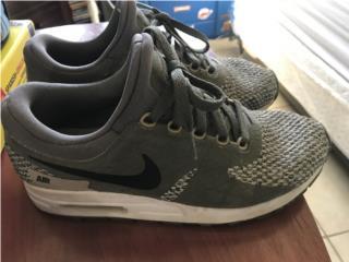 Tenis de Nene Nike Size 6Y , Puerto Rico