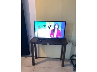 TV TCL ROKU 32' Y MESA, Puerto Rico