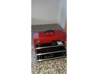 Caja de herramientas nueva, Puerto Rico