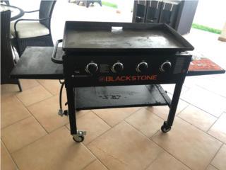 Bbq 4 quemadores con plancha poco uso , Puerto Rico