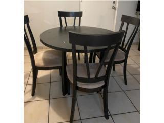 Mesa con sillas $100, Puerto Rico