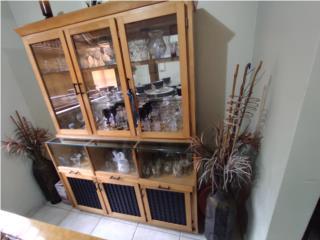 Curio con puertas en cristal, Puerto Rico