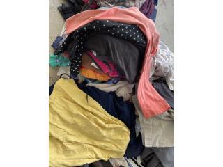 Cajas de ropa usada de pulguero , Puerto Rico