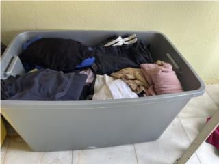 Cajón grande con ropa usada mixta, Puerto Rico