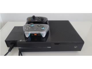 Xbox one con dos controles y baterías , Puerto Rico