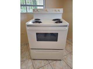 Se vende estufa Frigidaire en $130.00., Puerto Rico
