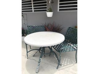 Mesa con 2 sillas, Puerto Rico