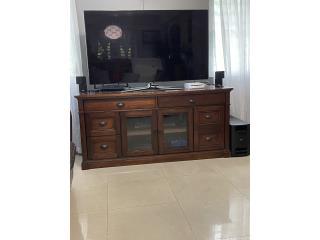 **Mueble TV con puertas y gavetas**, Puerto Rico