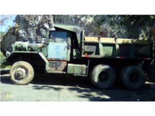 Camión militar tumba fabrica, Equipo Construccion Puerto Rico