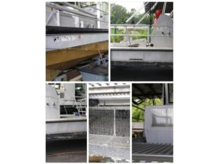 Embarcaciones de recoger escombros y derames, Equipo Construccion Puerto Rico
