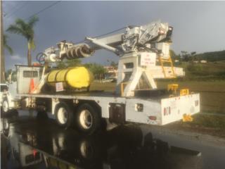 Grúa de barrena y parar postes 55 pies, , FreightLiner Puerto Rico