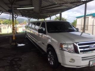 Limosina Ford Expedition 2008, Ford Puerto Rico