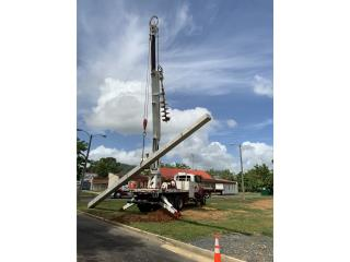 Boom truck con barreno, International Puerto Rico