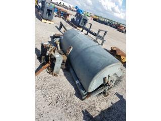 Cepillo para tractor con sistema PTO frontal, Equipo Construccion Puerto Rico