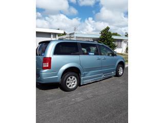 Mini Van Impedidos Town and Country 2011, Chrysler Puerto Rico