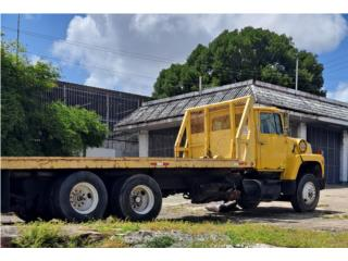Grua Ford L8000, Ford Puerto Rico