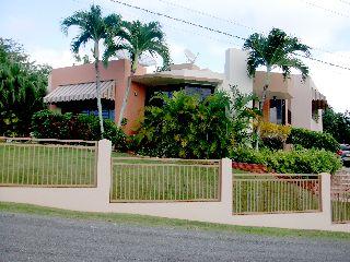 Bo. Camaseyes, Villa Krystal