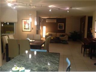 Paseo las Olas, Beautiful, Remodeled with Pool
