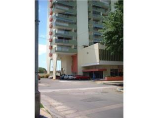 Apartamento en Cond Alcazar