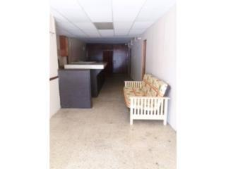 LOCAL EXT. FOREST HILLS, $850 mensuales