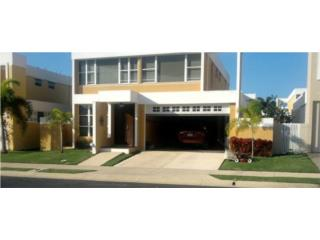Casa en Urbanizacion-Brisas De Montecasino.