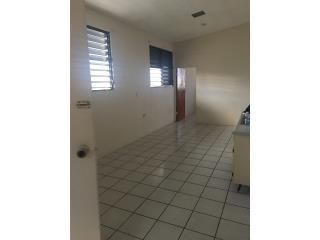 Urb. Puerto Nuevo 1h 1b $300