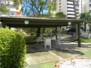 Los Caobos Plaza
