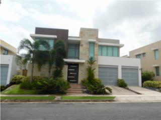 Spectacular Residence @ Senderos Montehiedra